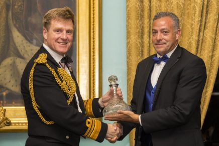 Vice Admiral Ben Key CBE presents Ian Urbina