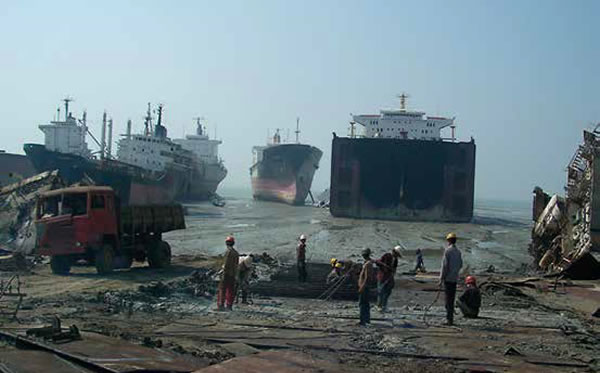 Ship-recycling-Bangladesh.jpg