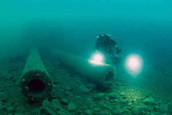 Subsea-Diver-600x400.jpg