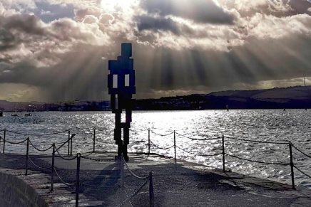 Look II, Antony Gormley's sculpture on Plymouth's West Hoe Pier