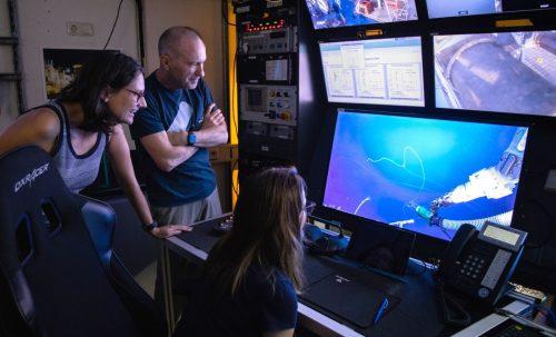 RV Falkor's control room